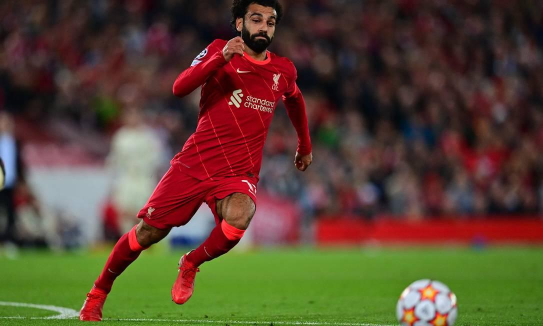 5º - Mohamed Salah, do Liverpool; 41 milhõesde dólares - R$ 216, 6 milhões Foto: PAUL ELLIS / AFP