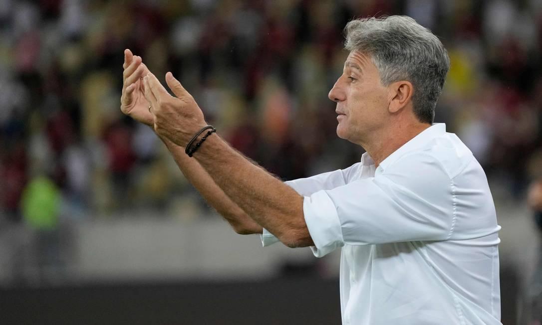 Renato Gaúcho durante a partida entre Flamengo e Barcelona-EQU Foto: SILVIA IZQUIERDO / AFP