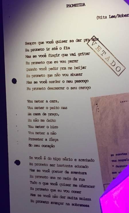 Detalhe de letra de Rita e Roberto censurada pela ditadura por 'mensagem erótico sexual' e nunca gravada Foto: Luccas Oliveira