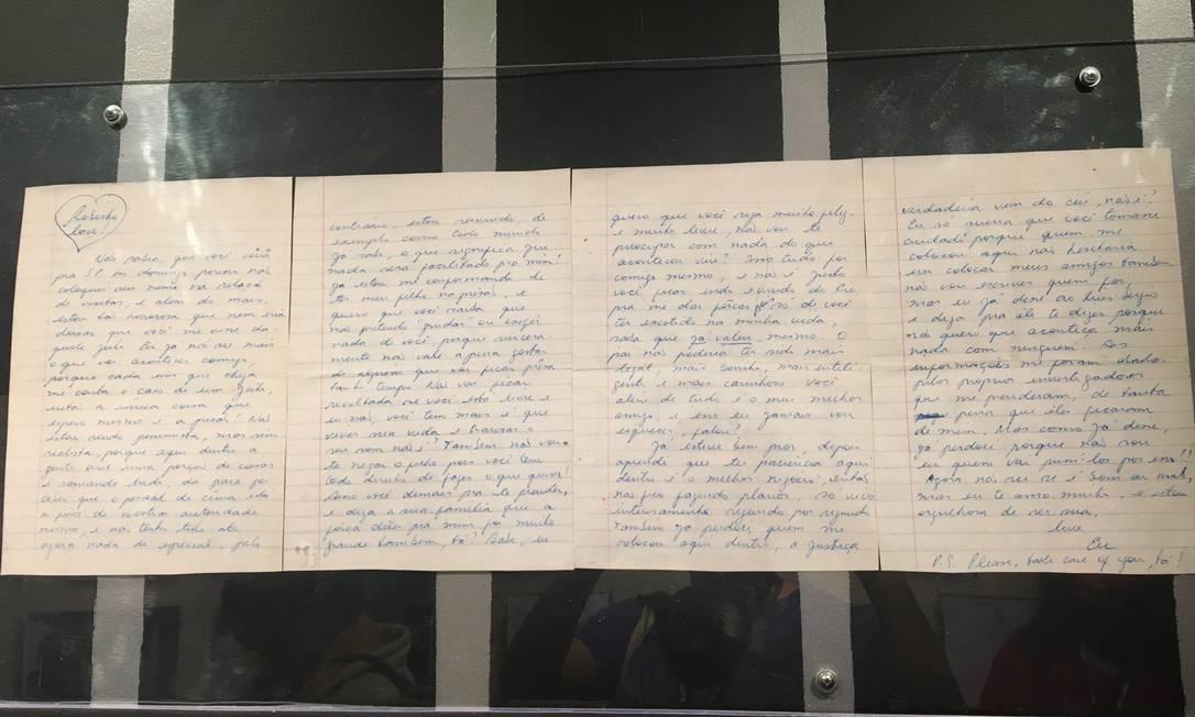 Carta escrita por Rita Lee para Roberto de Carvalho enquanto estava presa, grávida Foto: Luccas Oliveira