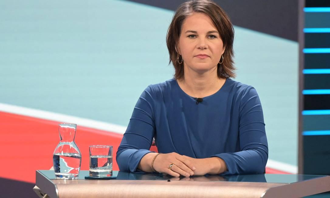 Líder dos Verdes, Annalena Baerbock, durante programa de debates na TV alemã neste domingo, depois do fechamento das urnas Foto: SEBASTIAN GOLLNOW / AFP