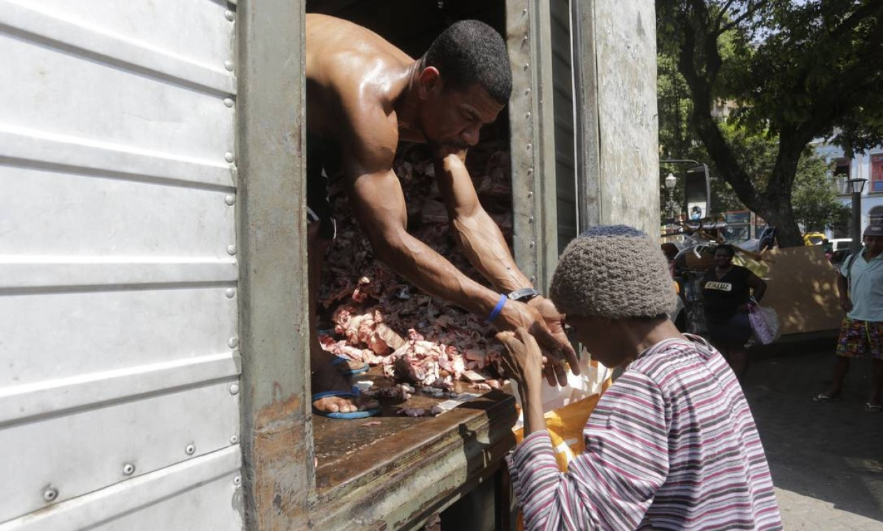 Pesquisa mostra que mais de 116,8 milhões de pessoas vivem hoje sem acesso pleno e permanente a alimentos Foto: Domingos Peixoto / Agência O Globo