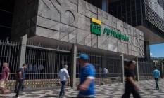 Sede da Petrobras no Rio Foto: MAURO PIMENTEL / AFP