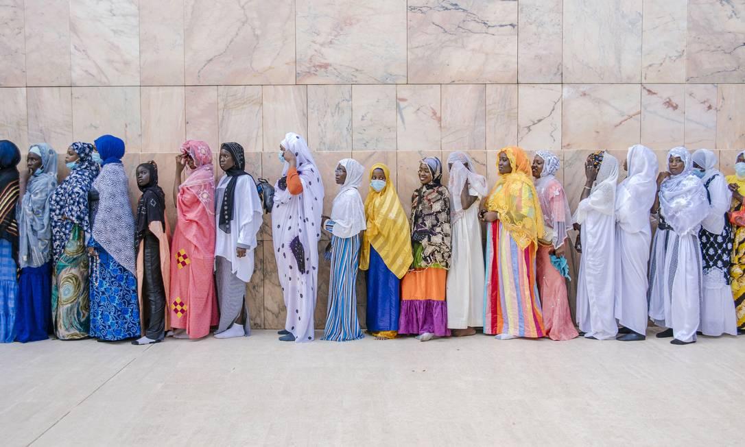 Pilgrims line up to enter the Grand Mosque of the Mauritius Grand Magal of Duba, Senegal's largest annual Muslim pilgrimage.  Photo: Carmen ABD Ali / AF