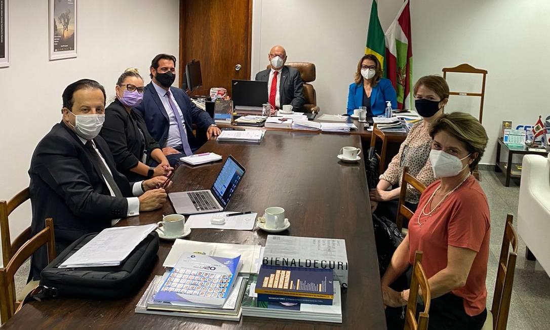 Representantes de famílias de vítimas do voo da Chape se reuniram com senadores em Brasília Foto: Arquivo pessoal
