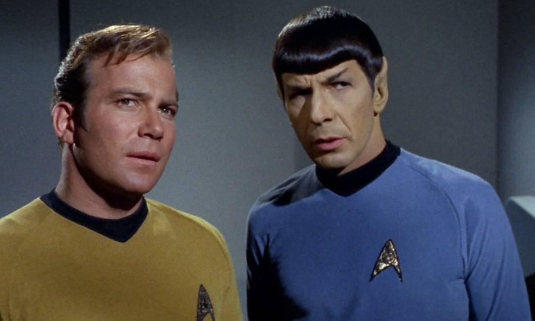 Imagem do seriado original Jornada nas Estrelas, com os atores William Shatner (capitão Kirk) e Leonard Nimoy (Dr Spock) Foto: Reprodução