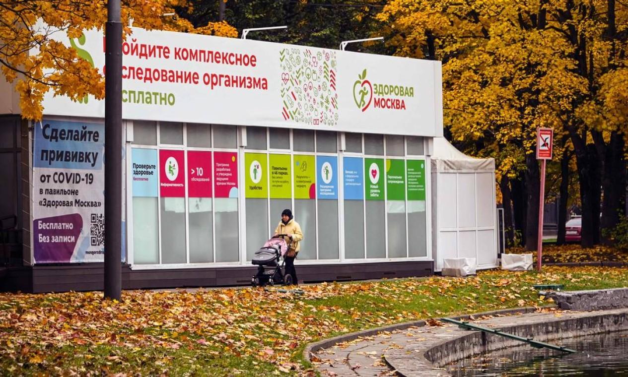 Com vacinação lenta, Rússia tem recorde de mortes por Covid e taxa diária maior que a dos EUA - Jornal O Globo
