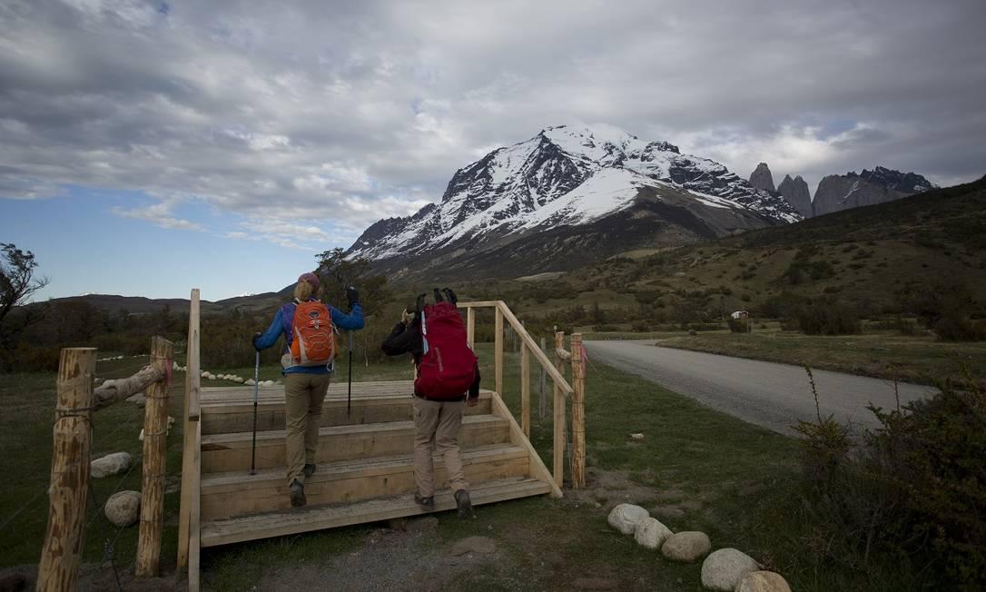 Visitantes no Parque Nacional Torres del Paine, na Patagônia chilena Foto: Márcia Foletto / Agência O Globo