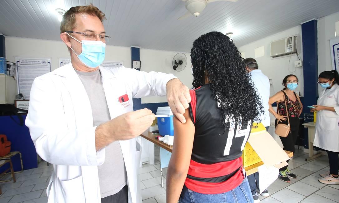 Vacinação em Niterói Foto: Agência O Globo