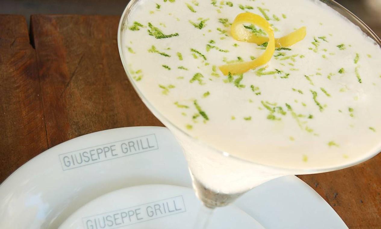 Cítrico. O Giuseppe Grill, no Leblon, sugere o creme de limão-siciliano, preparado com a fruta, sorvete de creme e segue regado com o italiano licor Limoncello (R$28). WhatsApp: 99591-5277 Foto: Divulgação