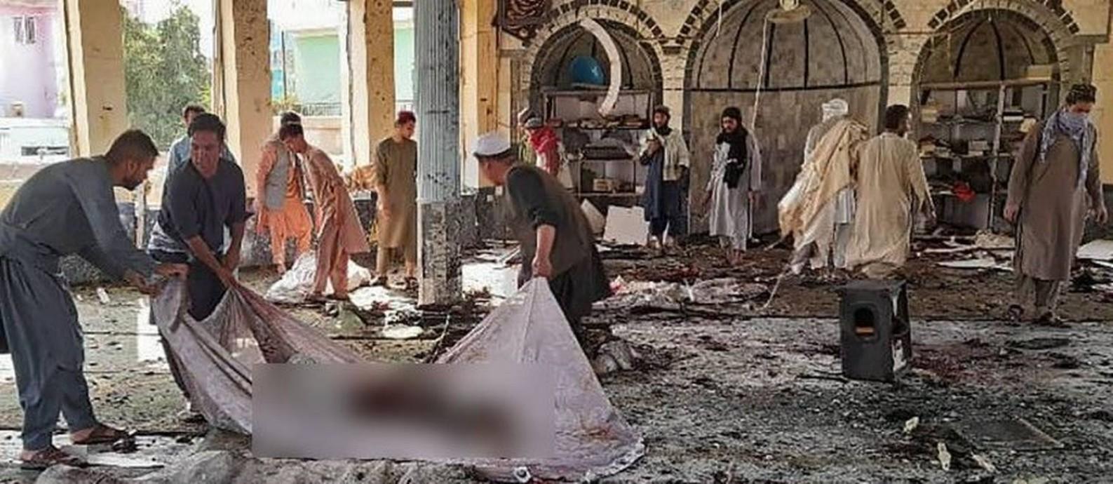 Explosão em mesquita no Afeganistão deixa ao menos 100 mortos e feridos -  Jornal O Globo
