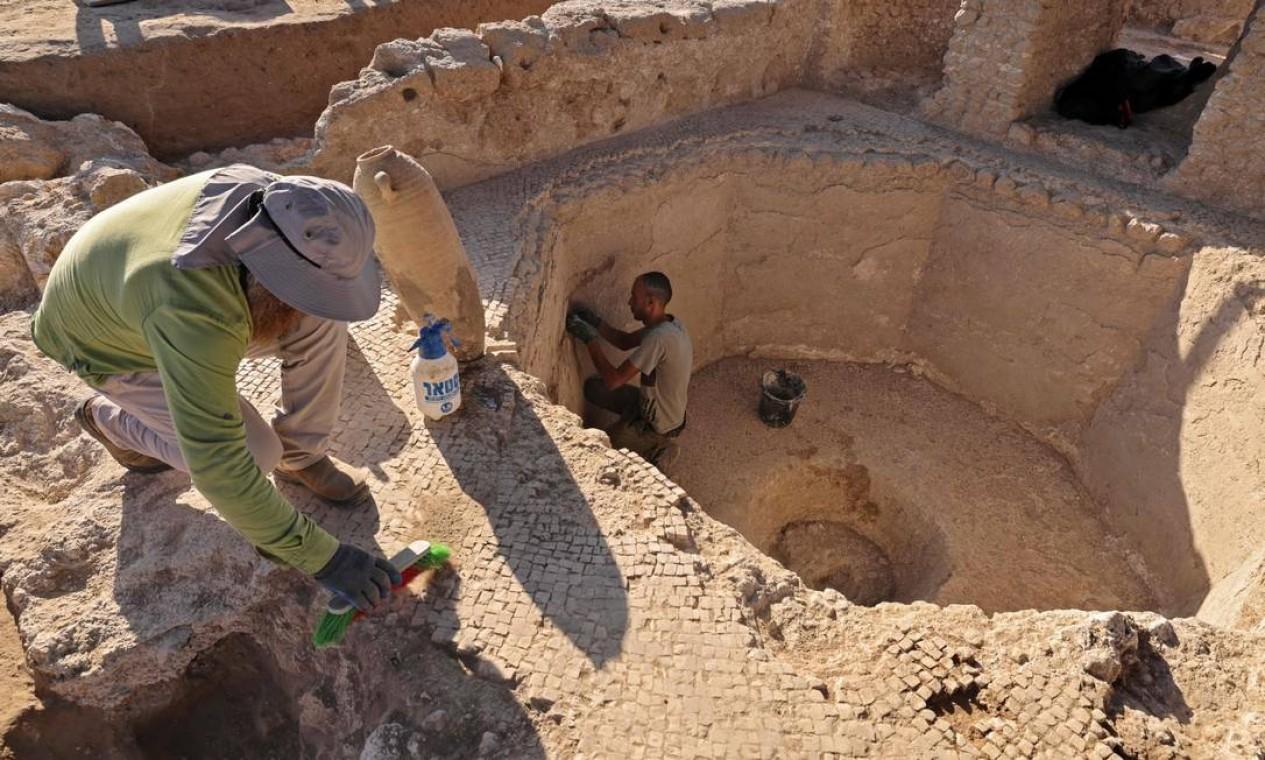 Vinícola descoberta em Israel tinha estutura para produzie vinho em escala industrial Foto: MENAHEM KAHANA / AFP