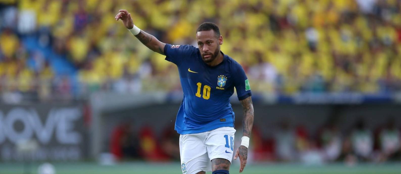 Neymar tenta jogada na partida contra a Colômbia Foto: LUISA GONZALEZ / REUTERS