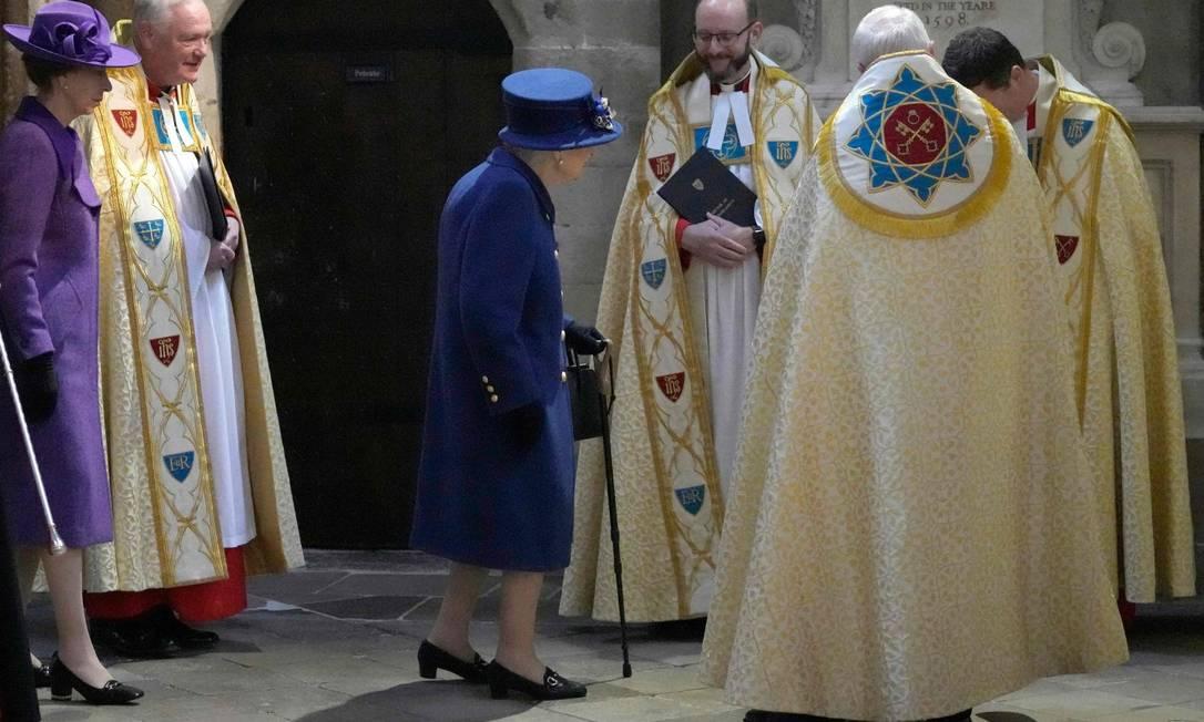 Acompanahda da princesa Anne, rainha Elizabeth participa de evento na Abadia de Westminster Foto: FRANK AUGSTEIN / AFP