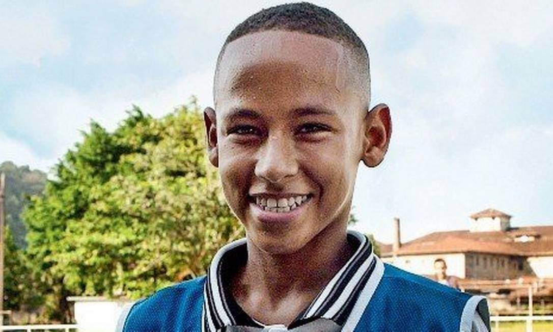 Neymar nos tempos de base do Santos Foto: Reprodução