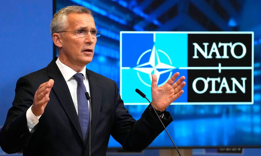 Ssecretário-geral da Otan, Jens Stoltenberg, durante discurso na sede da organização, em Bruxelas Foto: VIRGINIA MAYO / AFP
