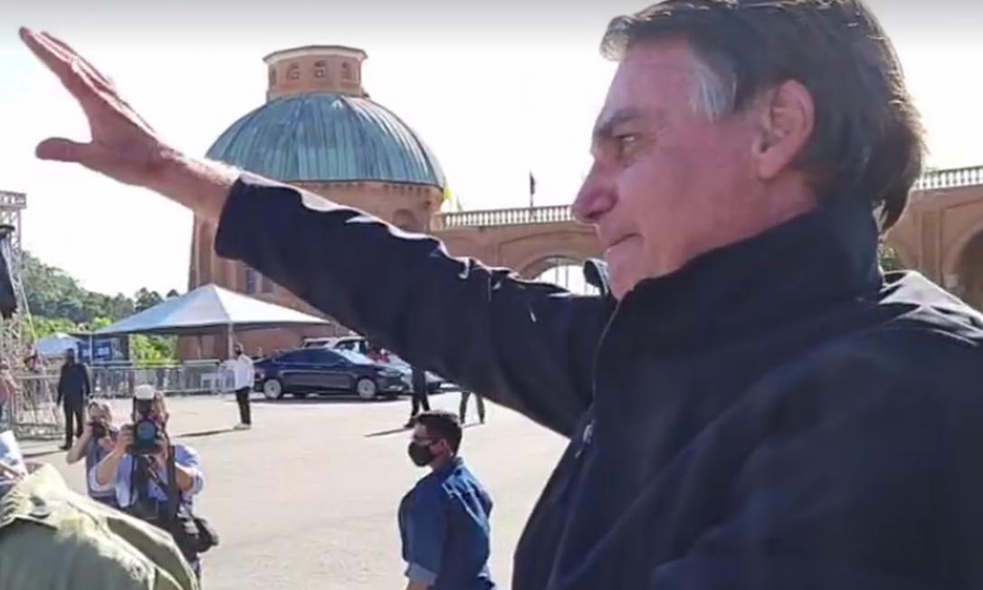 O presidente Jair Bolsonaro visitou a Basílica de Aparecida neste 12 de outubro Foto: Reprodução/Facebook