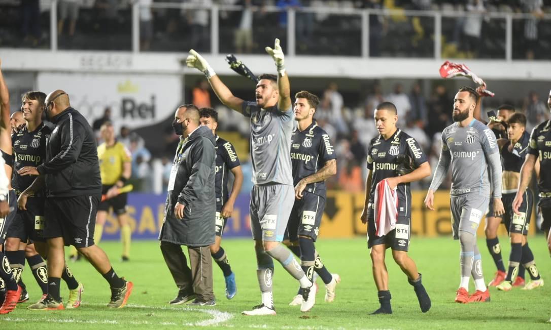 Elenco do Santos comemora a vitória contra o Grêmio Foto: Santos FC/Redes Sociais