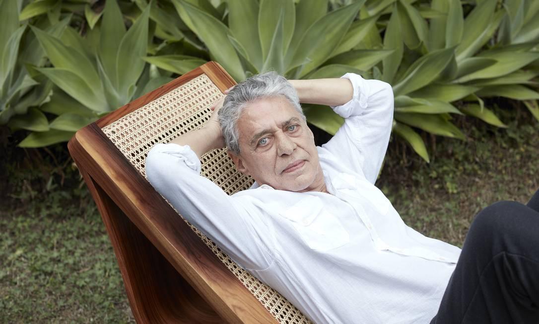 O escritor, cantor e compositor Chico Buarque Foto: Bob Wolfenson / Agência O Globo