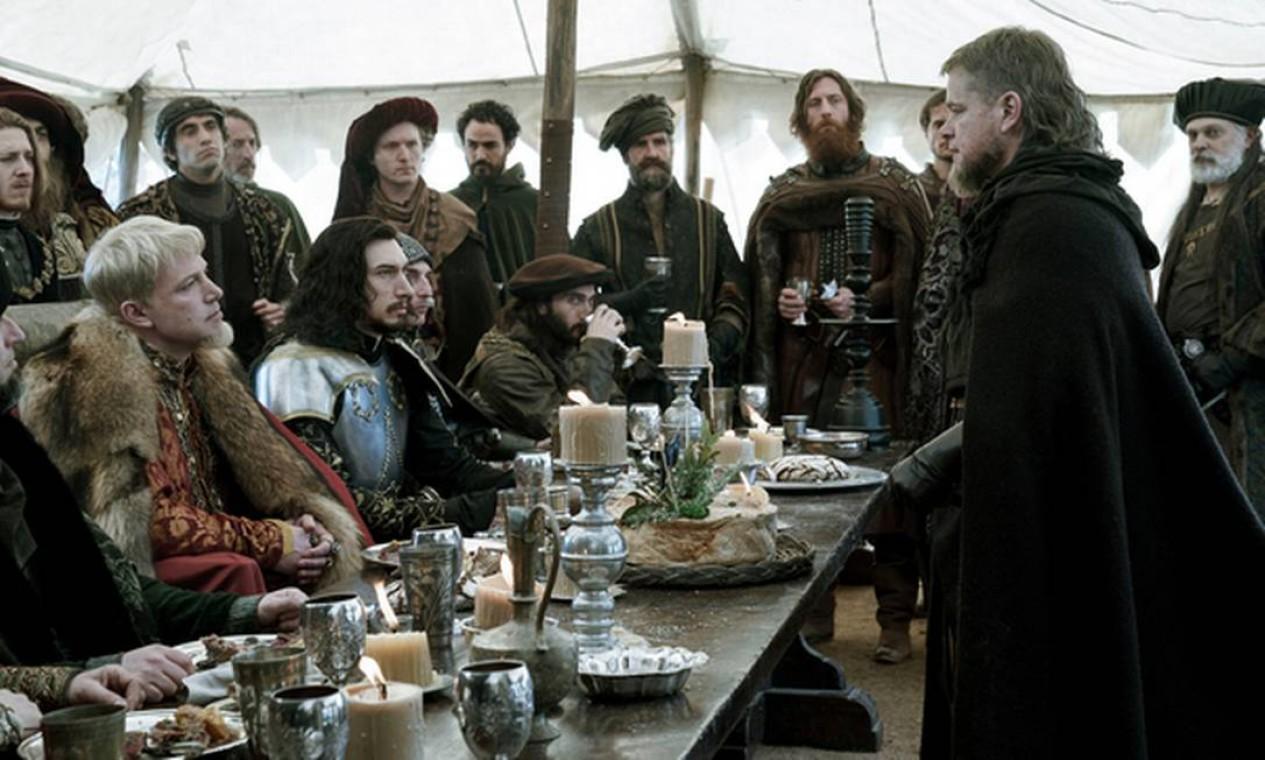 Ben Affleck, Adam Driver e Matt Damon em cena Foto: Jessica Forde / Jessica Forde