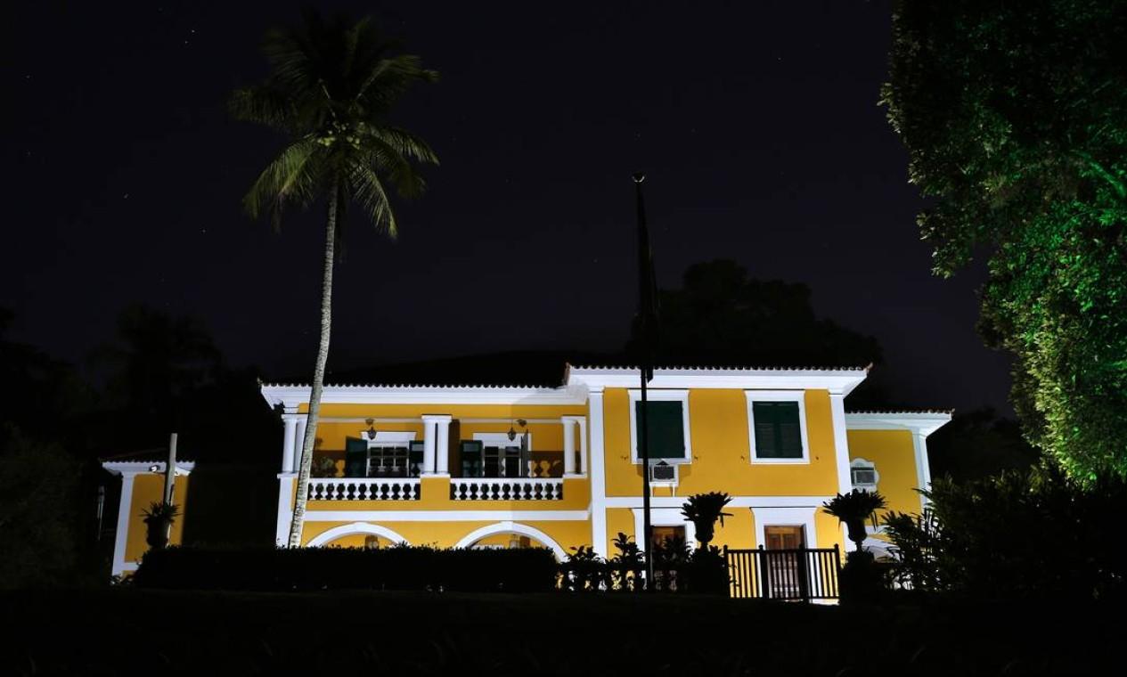Para a visita noturna, o estacionamento pode ser feito dentro do parque e é gratuito Foto: Fabio Rossi / Agência O Globo