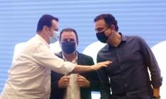 Presidente do PSD, Gilberto Kassab, conversa com Eduardo Paes e Rodrigo Pacheco em evento do partido no Rio Foto: Fabio Rossi / Agência O Globo