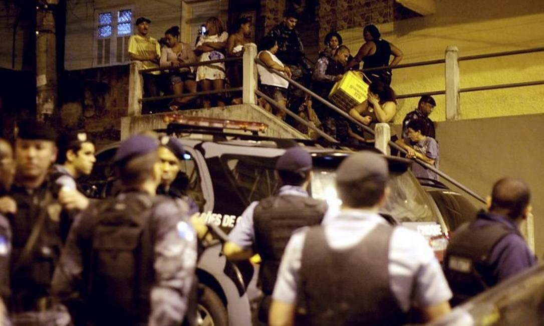 Confusão em baile funk no Turano deixa três policiais feridos Foto: Pedro Kirilos