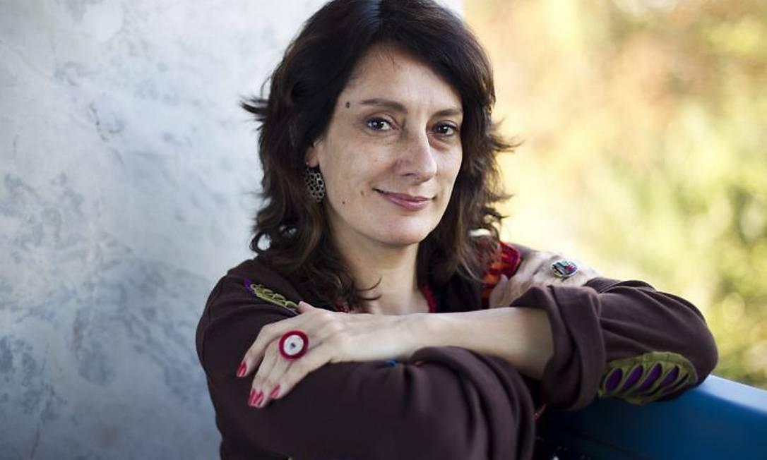 Entrevista com a diretora do documentário Diário de uma Busca, Flávia Castro. Foto Guito Moreto Agência O Globo.