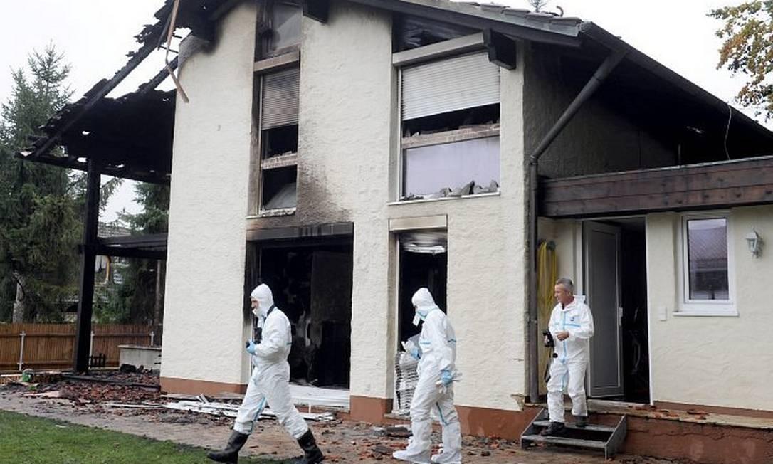 A casa de Breno, incendiada. Foto AFP