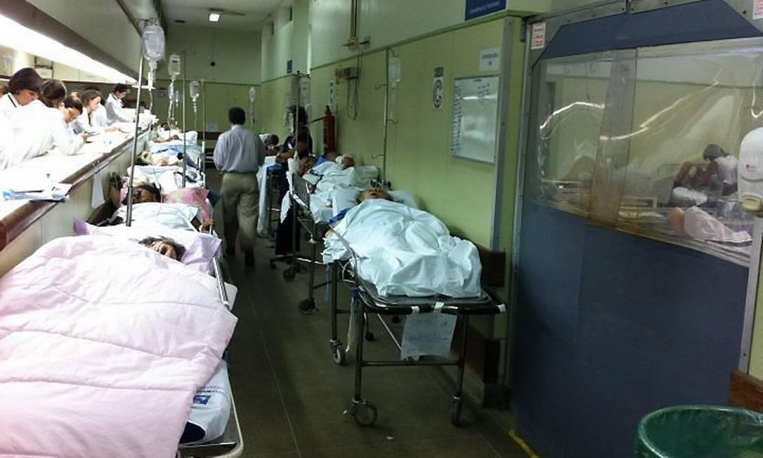 EMERGÊNCIA SUPERLOTADA do Hospital Lourenço Jorge (Barra), na semana passada Comissão de Saúde da Câmara