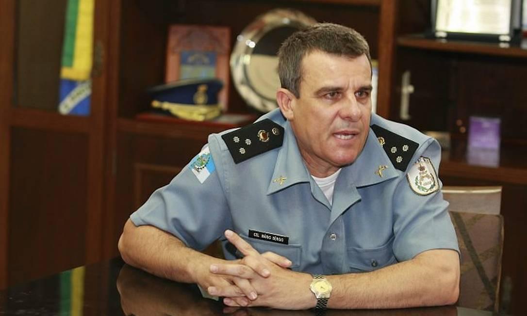 O coronel Mário Sérgio: 'Eu recomendei que os presos usem uniforme' (Foto: Fabiano Rocha Extra Agência O Globo)