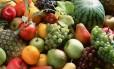 Alimentação rica em frutas e fibras: perda de peso maior para carnívoros. Foto de arquivo