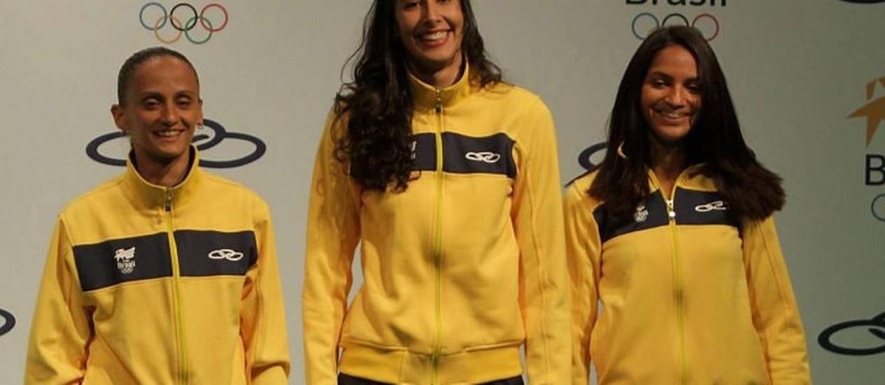 COB lança os uniformes que a delegação brasileira vai usar durante ... 35da80e4ef0e2