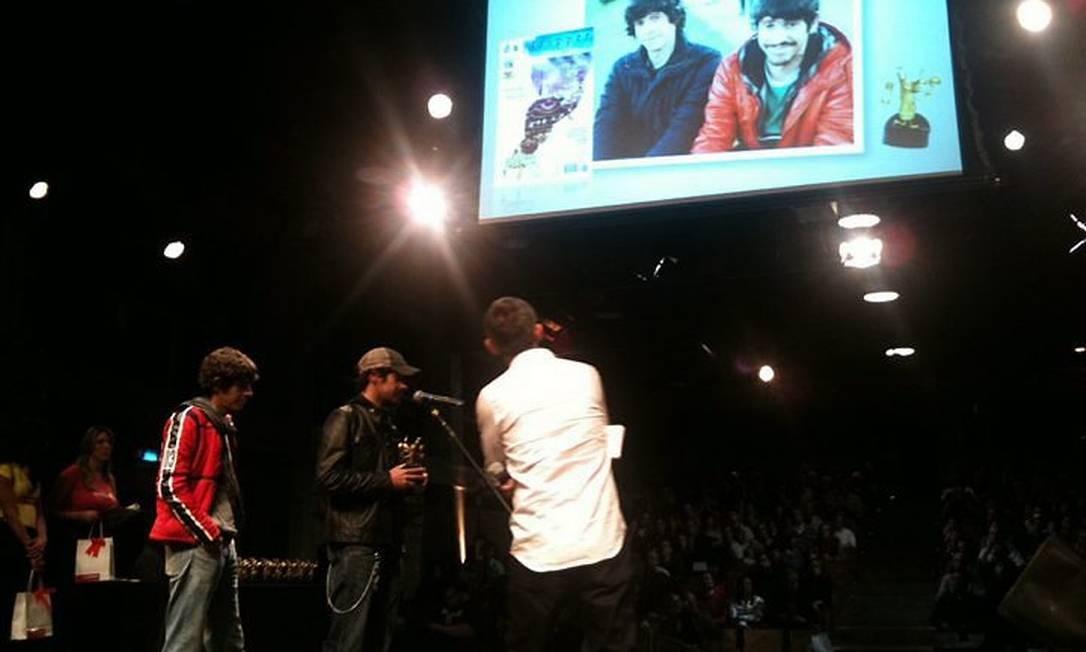 Os gêmeos Fábio Moon e Gabriel Bá recebem o prêmio de destaque internacional Divulgação