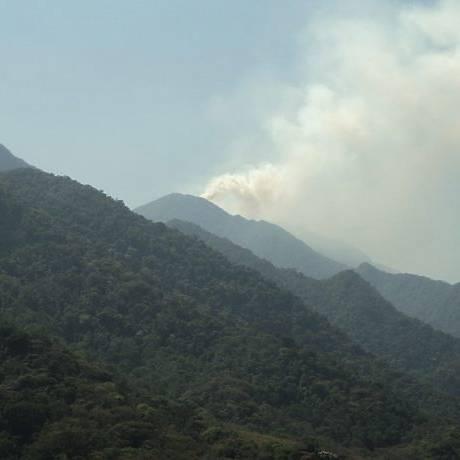 Incêndio no Pico da Caledônia, em Nova Friburgo