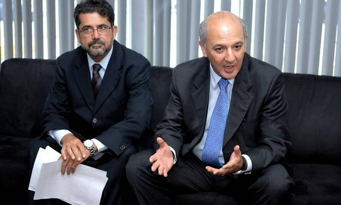O ex-subsecretário de Turismo do Distrito Federal, Cesar Gonçalves, e ex-governador, José Roberto Arruda, durante reunião - Foto: D.APress