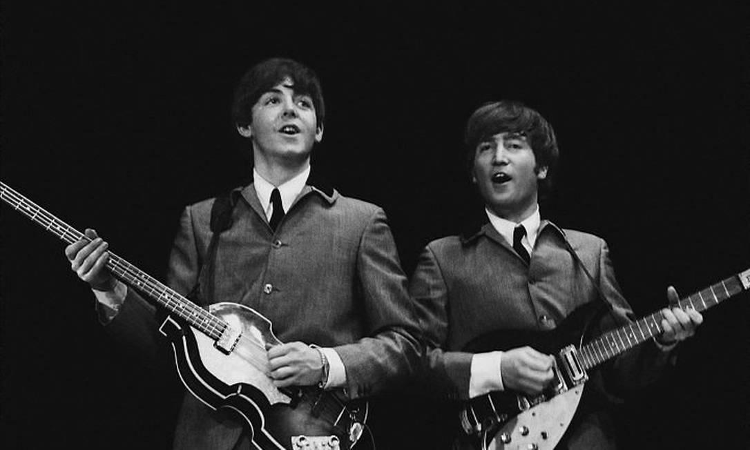 John e Paul no show de estreia nos EUA, em 1964 Foto de Mike Mitchell