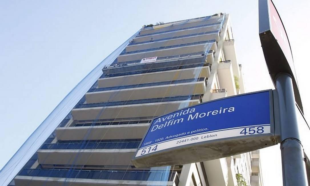 Prédio Juan Les Pins, na Delfim Moreira - Simone Marinho O Globo