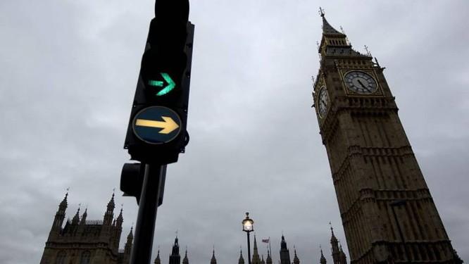 1138190af93 A  torre inclinada  de Londres - Jornal O Globo