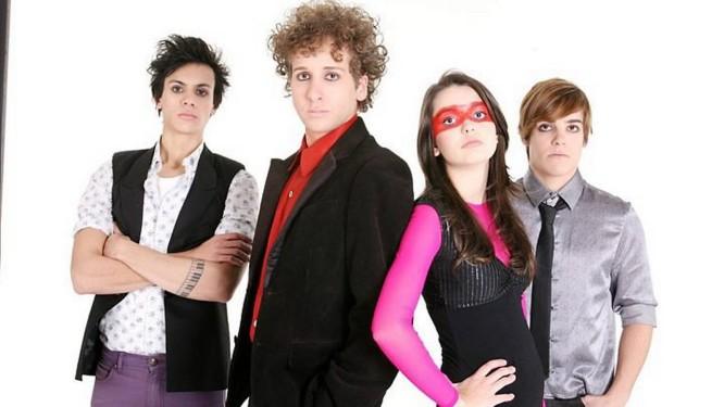 No elenco da série, os atores Fábio Rabello, Marcelo Ferrari, Mariana Lessa e Marcelo Ferrari
