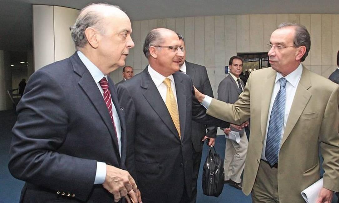 Os tucanos José Serra, Geraldo Alckmin e Aloysio Nunes em Brasília, para oa reunião do PSDB no Senado em foto de Andre Coelho
