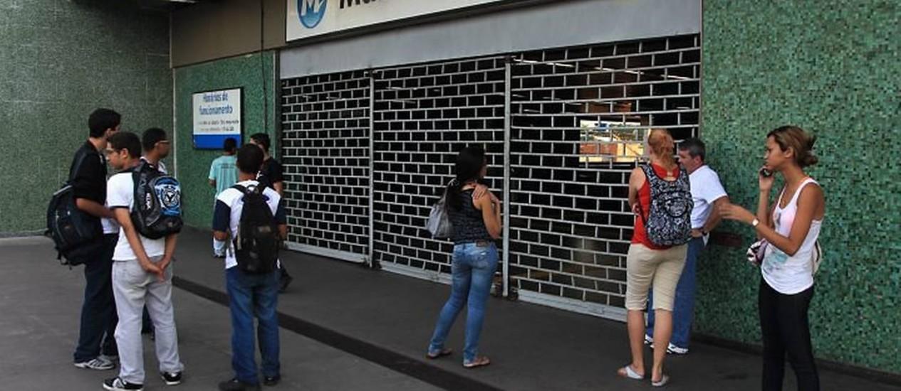 Metrô de Maria da Graça fechadoFoto: Marcelo Theobald - Extra