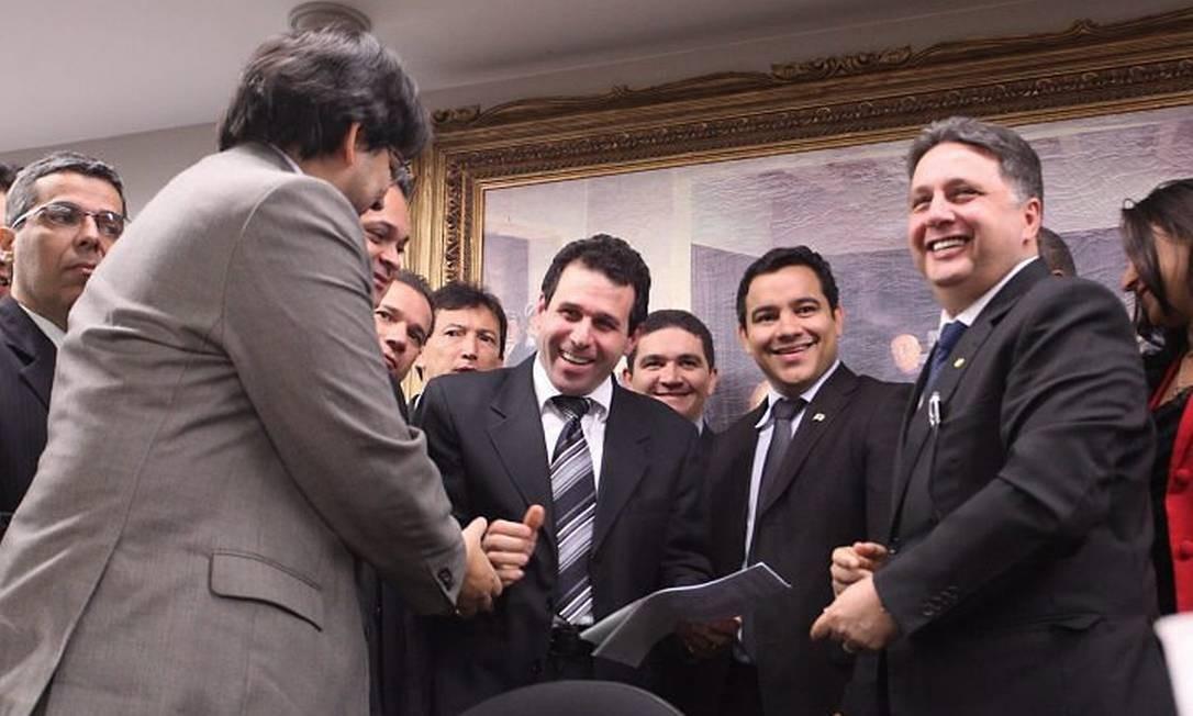 Juiz que anulou união homoafetiva (no centro,) é homenageado pela bancada enavgélica da Câmara. Foto: André Coelho