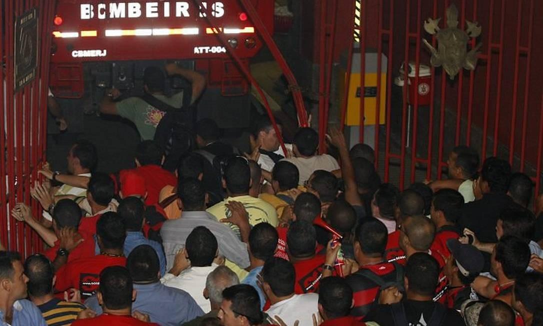 Bombeiros ocupam Quartel do Comando-Geral da corporação - Foto: André Teixeira - O Globo
