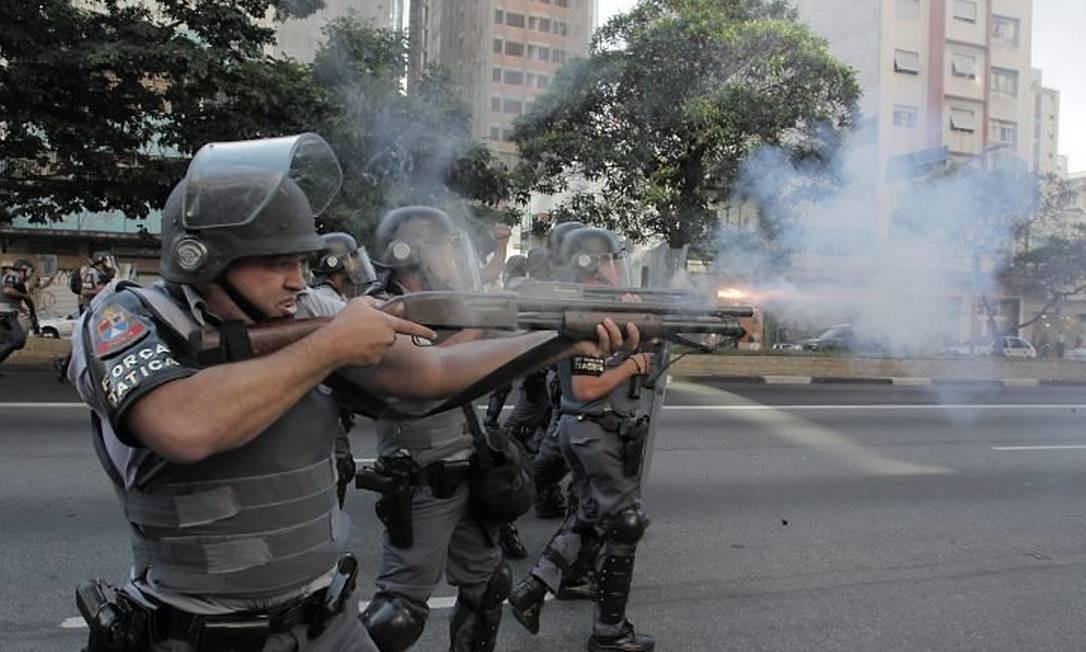 Marcha da Maconha, no último spabado, acabou em confronto com a PM - Foto de Eliária Andrade, O Globo