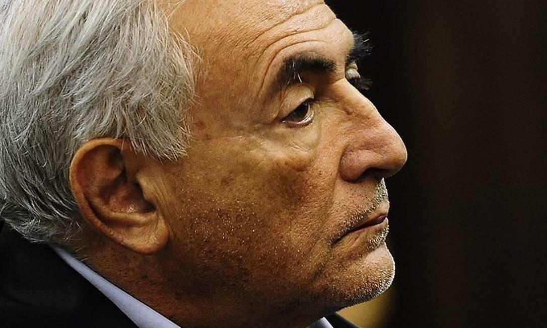 Strauss-Kahn está sob prisão domiciliar devido às acusações de estupro.