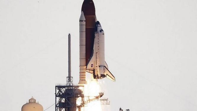 Endeavour parte para última missão Reuters