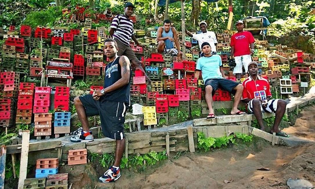 Os integrantes do Projeto Morrinho na comunidade do Pereirão, em Laranjeiras - Foto de Divulgação