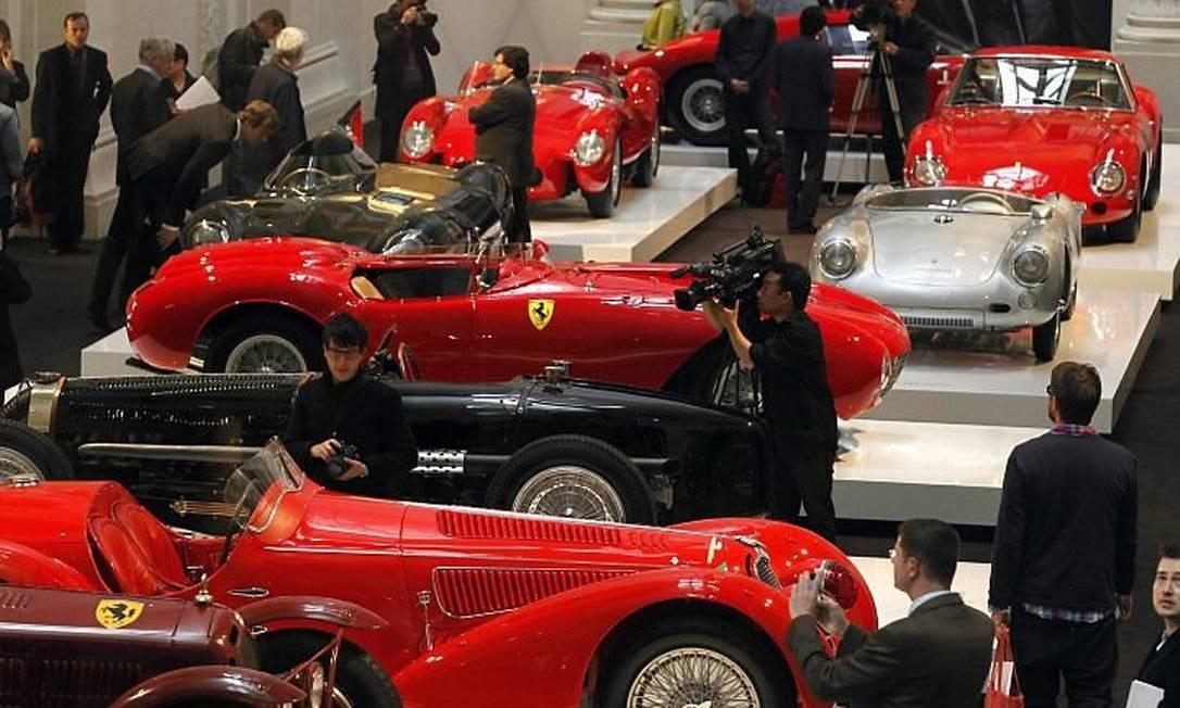 Exposição de carros antigos de Ralph Lauren no Museu de Artes Decorativas, em Paris Foto: Reuters