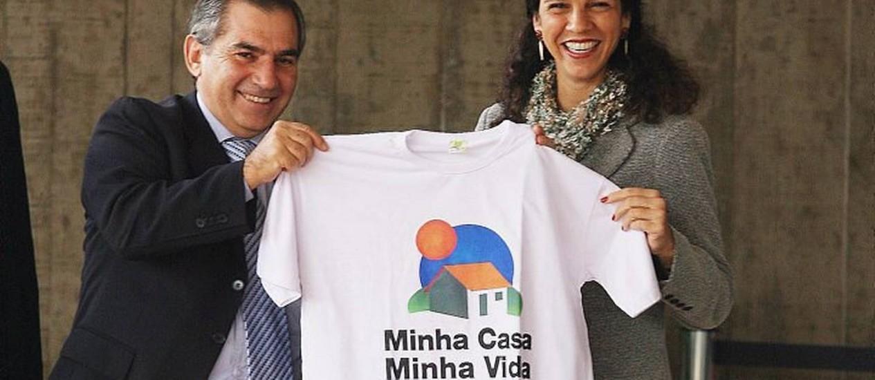 O então chefe de gabinete do ex-presidente Lula com a então presidente da Caixa Econômica Federal, Maria Fernanda CoelhoFoto de Aílton de Freitas